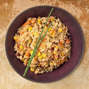Ensalada andina de quinoa con maíz y cilantro