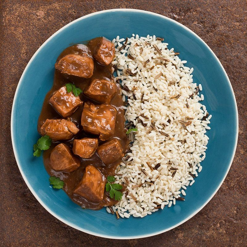 Pollo al mole poblano con mezcla de arroz salvaje (450 gr.)