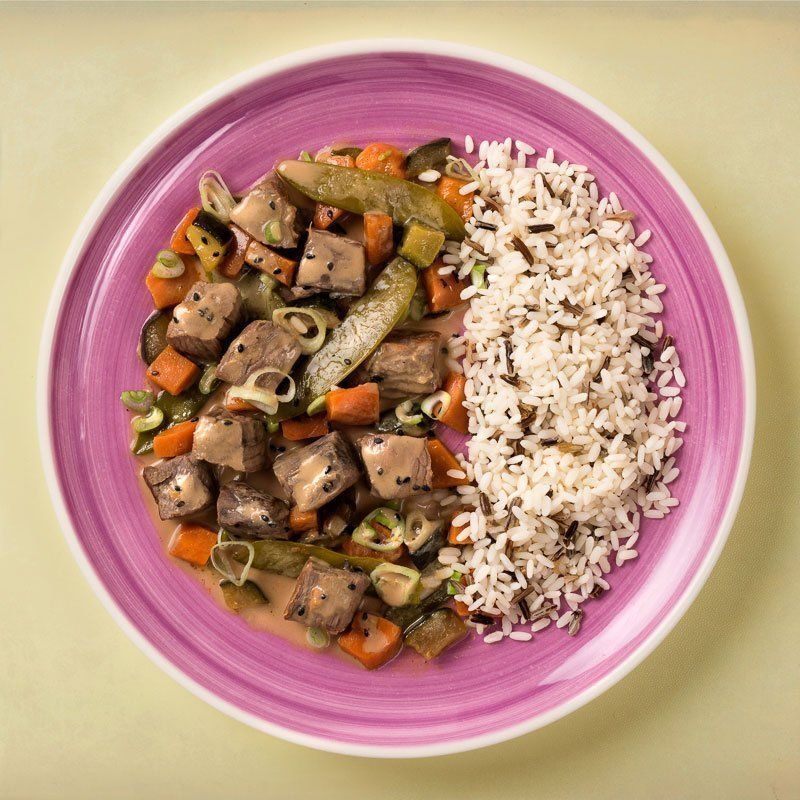 Ternera balinesa con guarnición de arroz salvaje (500 gr.)