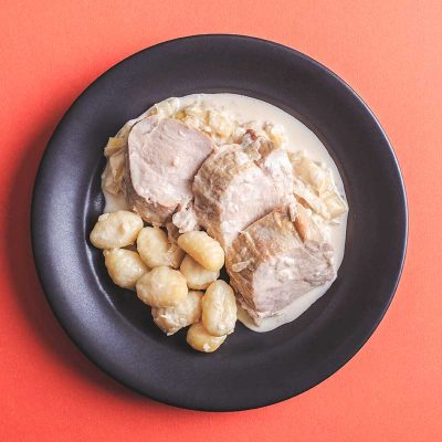 Solomillo de cerdo con salsa puerros